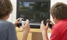 Dependenţa de jocuri video poate afecta creierul tinerilor, spun cercetătorii.