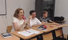 Maria Grapini si Alexandru Roja in cadrul discutiilor despre mecatronica