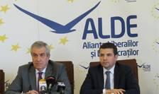 În momentul de faţă, în ALDE există două tabere, fostul PLR şi fostul PC