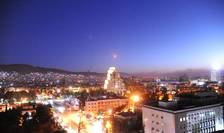 O rachetă a forţelor aliate occidentale, deasupra Damascului (Foto: SANA via Reuters)