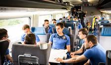 Tricolorii în drum spre Lyon la bordul unui tren rapid TGV