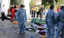Serviciile de urgentà intervin la locul dublului atentat de la Ankara din 10 octombrie 2015