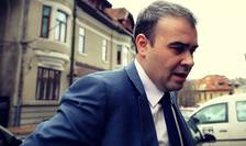 Vâlcov este consilier de stat al premierului Dăncilă și unul dintre cei mai apropiați colaboratori ai lui Dragnea