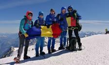 Alex Benchea, Ràzvan Nedu si însotitorii lor, pe vârful Mont Blanc (4.810 m), duminicà 19 iulie 2020.