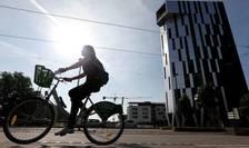 Guvernul francez vrea sà tripleze numàrul celor care merg pe bicicletà la muncà