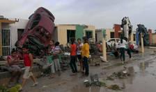 Efectele trecerii unei tornade în oraşul mexican Ciudad Acuna (Foto: Reuters/Ramiro Gomez)