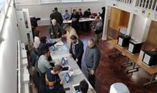 Votare la secția 571 Colchester