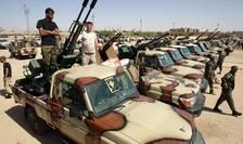 Forţe ale armatei naţionale libiene la Benghazi, în aşteptarea unui posibil ordin de atac în direcţia Syrte, iunie 2020