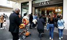 Franta a deschis o anchetà contra 4 fabricanti de haine, printre care Inditex, proprietarul màrcii Zara.