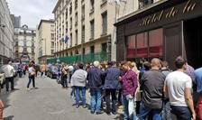 Români asteapta sa voteze în cadrul alegerilor europene si a referendumului pe justitie, Ambasada Românei la Paris, 26 mai 2019