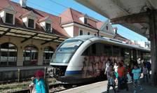 Tren, în gara din Sighișoara (Foto: RFI/Cosmin Ruscior-ilustrație)