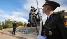 Președintele Ucrainei, Volodimir Zelenski, la monumentul victimelor de la Babi Yar