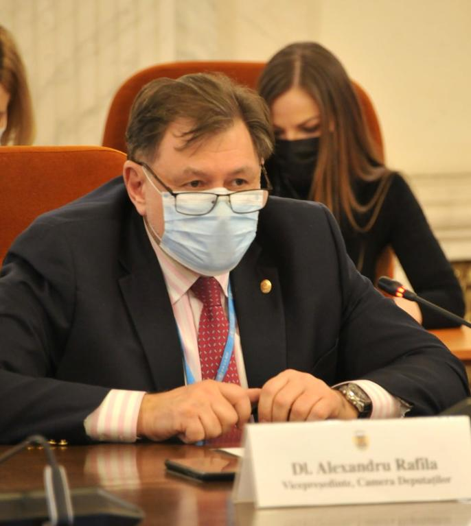 Alexandru Rafila are dubii că vor putea fi vaccinate 10 milioane de persoane până la sfârșitul lunii august (Sursa foto: Facebook/Alexandru Rafila)