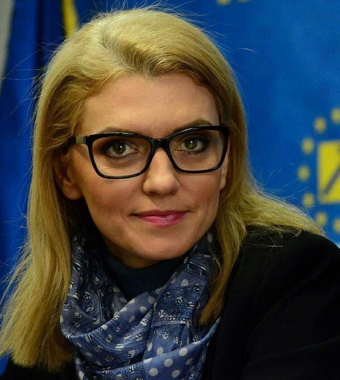 Alina Gorghiu ironizează CCR (Sursa foto: Facebook/Alina Gorghiu)