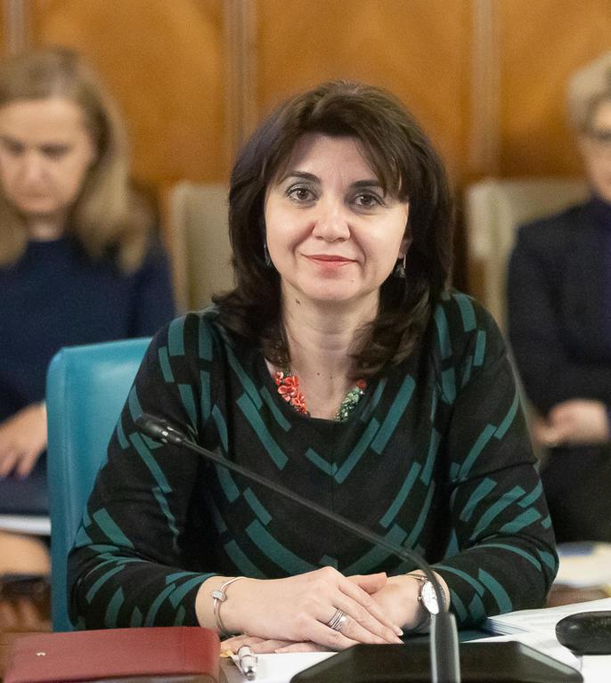 Monica Anisie spune că sunt trei scenarii pentru noul an școlar (Sursa foto: gov.ro)