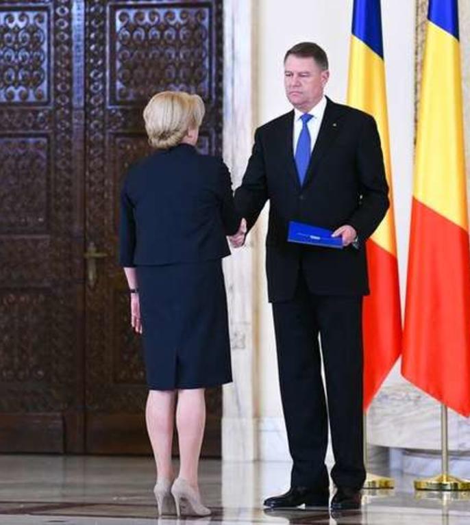 Viorica Dancila si Klaus Iohannis, dezbateri simultane (Sursa foto: presidency.ro)