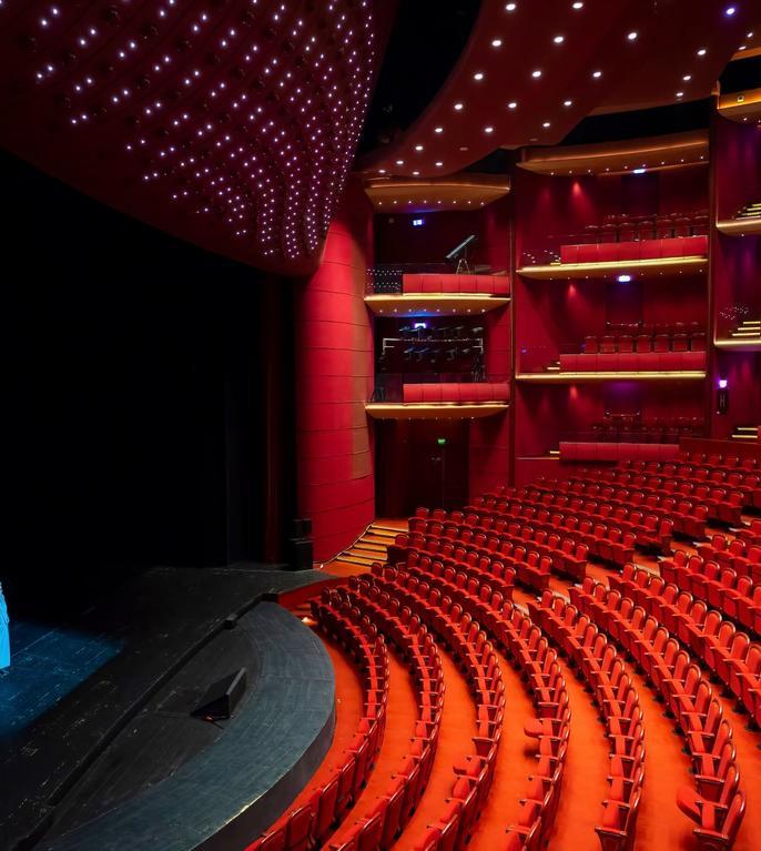 Teatrul Național își redeschide porțile pentru public (Sursa foto: Facebook/TNB)
