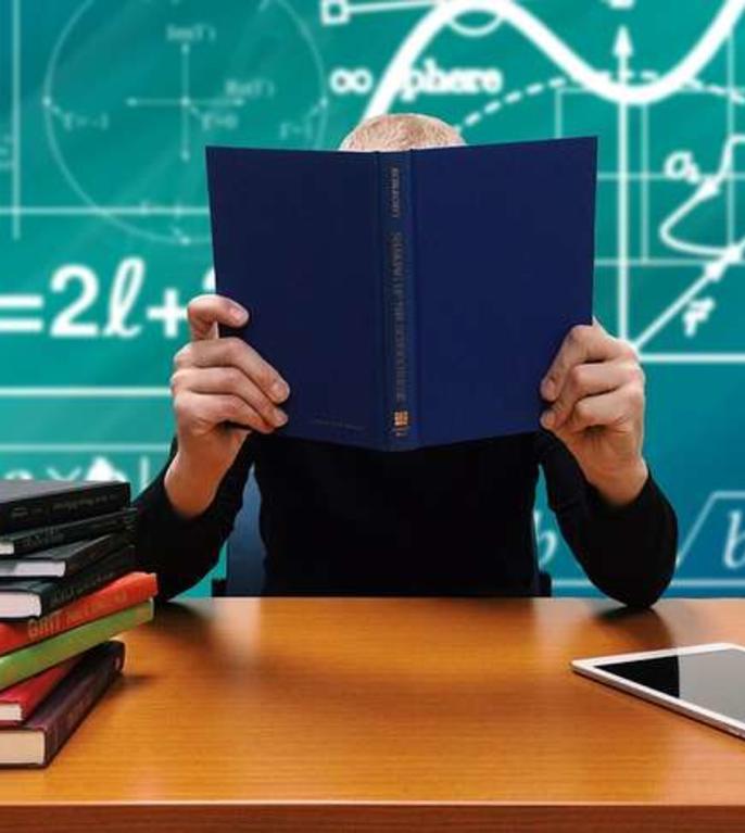 Italia redeschide școlile, în timp ce autoritățile anunță  distribuire zilnică de măști gratuite și teste de salivă rapide pentru elevi.