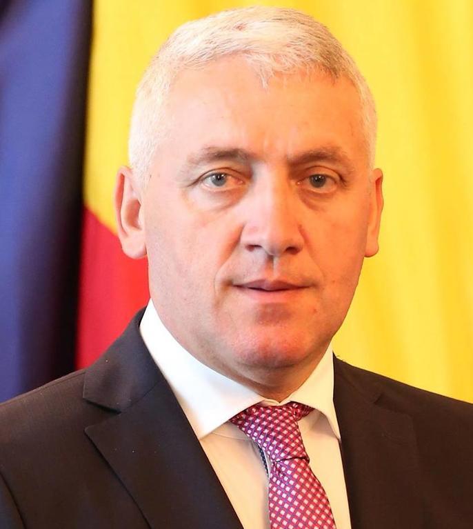 Adrian Țuțuianu critică guvernarea PNL (Sursa foto: Facebook/Adrian Ţuţuianu)