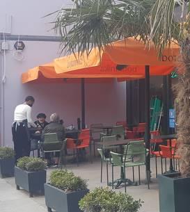 Cafenea în nordul Londrei