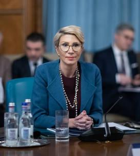 Raluca Turcan anunță mai multe asumări de răspundere în perioada următoare (Sursa foto: gov.ro)