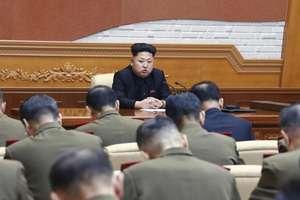 Kim Jong-Un exprimîndu-se în fata cadrelor armatei