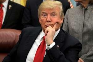 Donald Trump în biroul oval al Casei Albe pe data de 10 ianuarie 2018