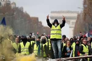 """""""Veste galbene"""" pe Bulevardul Champs-Elysées, Paris, 24 noiembrie 2018"""