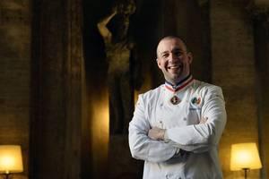 A servit patru presedinti ai Frantei iar dupa 25 de ani petrecuti la Palatul Elysée, chef Guillaume Gomez devine ambasador al gastronomiei franceze.
