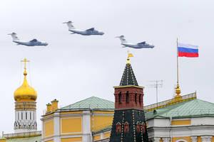 Avioane militare rusesti survoleazà Kremlinul de 9 mai 2021, ziua victoriei contra Germaniei naziste.