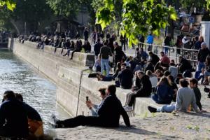 La Paris, pe malurile Senei, 11 mai 2020