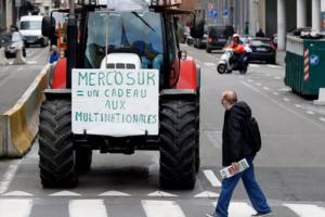 Protest la Bruxelles, în ianuarie 2018, împotriva acordului de liber-schimb UE - MERCOSUR