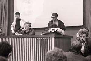 Daniel Cohn-Bendit, cofondator al Miscàrii din 22 martie, la o conferintà de presà la Nanterre, 10 mai 1968