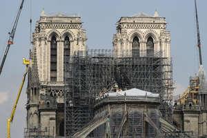 Doar o parte infima din sumele promise pentru reconstructia catedralei pariziene Notre Dame au fost încasate, promisiunile nu au fost onorate. Un incendiu a distrus partea superioara a catedralei, în luna aprilie 2019.