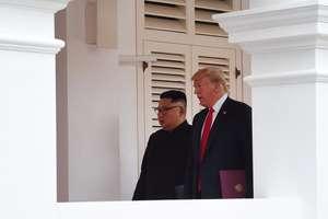 Donald Trump si Kim Jong-un la hotelul Capella de pe insula Sentosa din Singapore