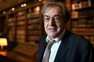 Filozoful Alain Finkielkraut, agresat verbal şi insultat la Paris de vestele galbene