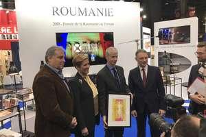 Ministrul francez al culturii, Franck Riester, la standul românesc, primit de Luca Niculescu, Ambasadorul României în Franţa, Liliana Ţuroiu, Preşedinta Institutului Cultural Român şi Adrian Cioroianu, Ambasador la UNESCO