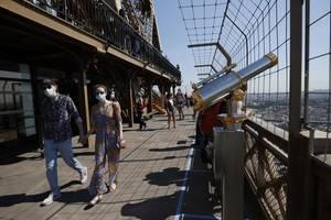 În plin sezon estival, toate obiectivele turistice din capitala afiseaza un numar mic de turisti dar cei internationali lipsesc cu desavarsire.