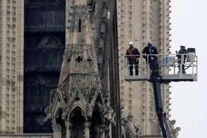Mai multe companii franceze dar si cei mai bogati oameni de afaceri francezi anunta deblocarea unor sume importante pentru a finanta reconstructia Catedralei Notre-Dame, afectata de un puternic incendiu pe 15 aprilie 2019.