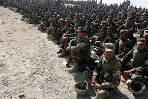 Militari ai armatei nationale afgane în timpul unui antrenament la Kaboul, 17 octombrie 2017