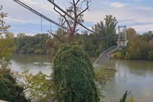 Podul de lângà Toulouse care s-a pràbusit în dimineata zilei de 18 noiembrie 2019 în râul Tarn