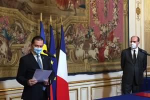 Premierul Ludovic Orban l-a asigurat pe omologul sau francez, Jean Castex de solidaritatea si de compasiunea României dupa asasinarea profesorului Samuel Paty, 26 octombrie 2020, Matignon, Paris