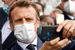 Presedintele Emmanuel Macron pe Champs-Elysées, cu ocazia zilei nationale a Frantei, 14 iulie 2021.