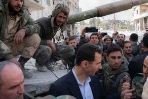 Presedintele sirian Bachar al Assad înconjurat de soldati în Ghouta orientala, 18 martie 2018
