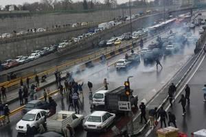 Protestul a început la Teheran dupa ce guvernul a decis majorarea cu 50% a pretului la carburant. 16 noiembrie 2019.