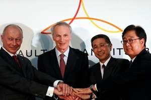 Jean-Dominique Senard, presedintele Renault, Thierry Bolloré, director general Renault, Hiroto Saikawa, patronul executiv de la Nissan, si Osamu Masuko, PDG-ul de la Mitsubishi, la Yokohama, în Japonia, 12 ianuarie 2019.