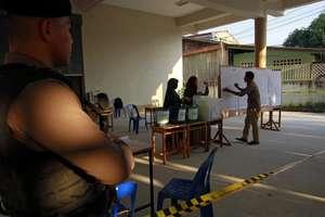 Un militar pàzeste o sectie de votare în provincia thailandezà