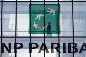 Tribunalul din Paris ancheteaza în total doua plângeri diferite deschise la adresa BNP Paribas în care banca este acuzata de complicitate la crime împotriva umanitatii.