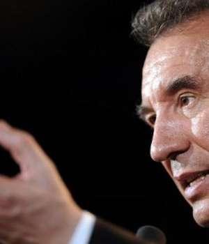 Centristul François Bayrou, aici la un miting in martie 2012, a decis sà nu candideze a 4-a oarà la prezidentialele franceze