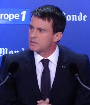 Manuel Valls, premierul Frantei, la microfonul radioului Europe 1